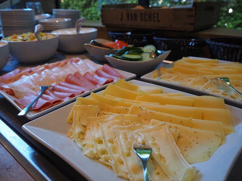 Ontbijt, lunch & diner