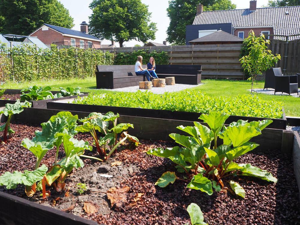 Extra terras in de tuin voor onze hotelgasten